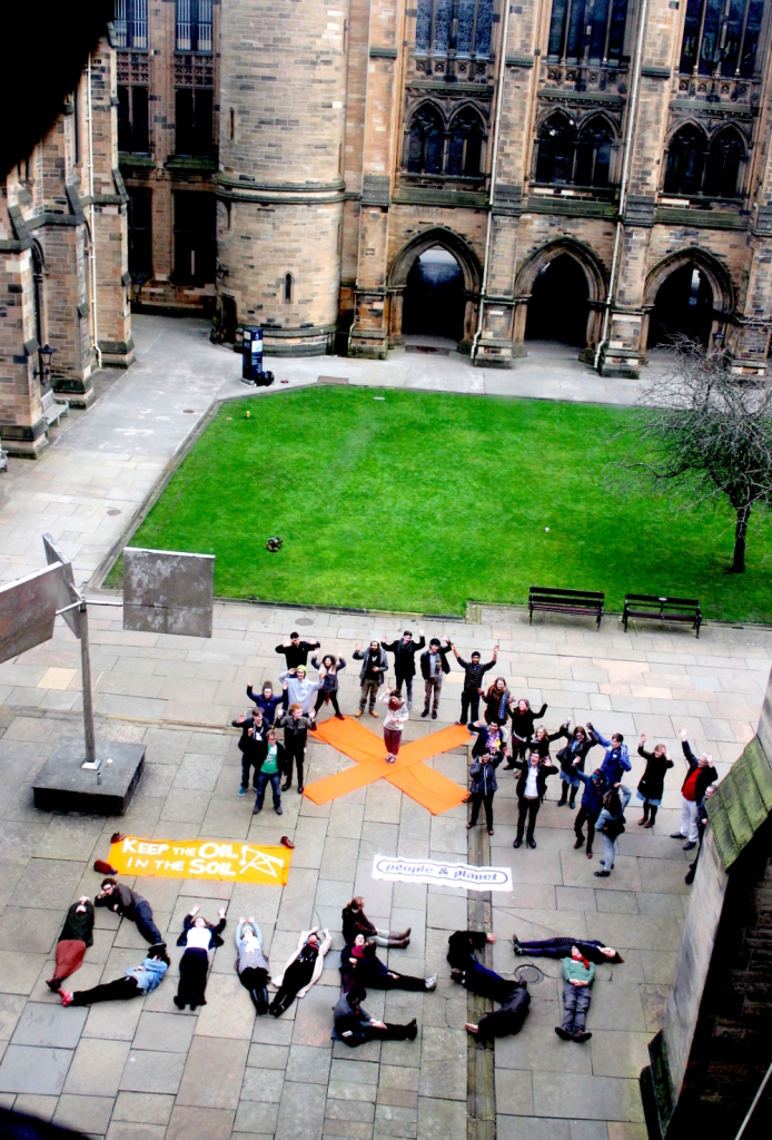 Glasgow students call for divestment, March 2014. Image: Ric Lander.