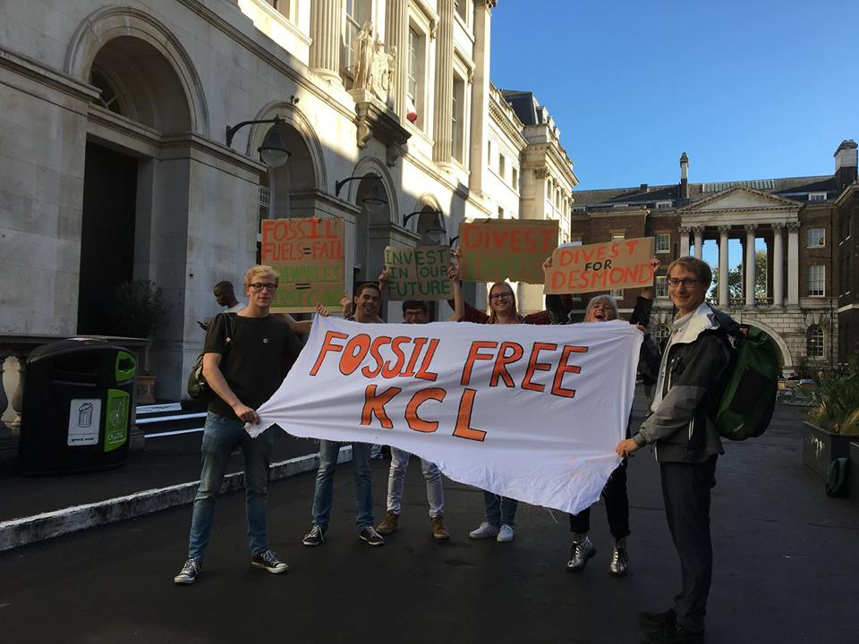 Fossil Free KCL campaigners